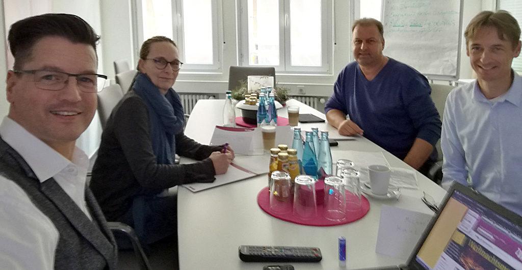 Nikolaus Herbert mit dem Zypresse Sales-Team