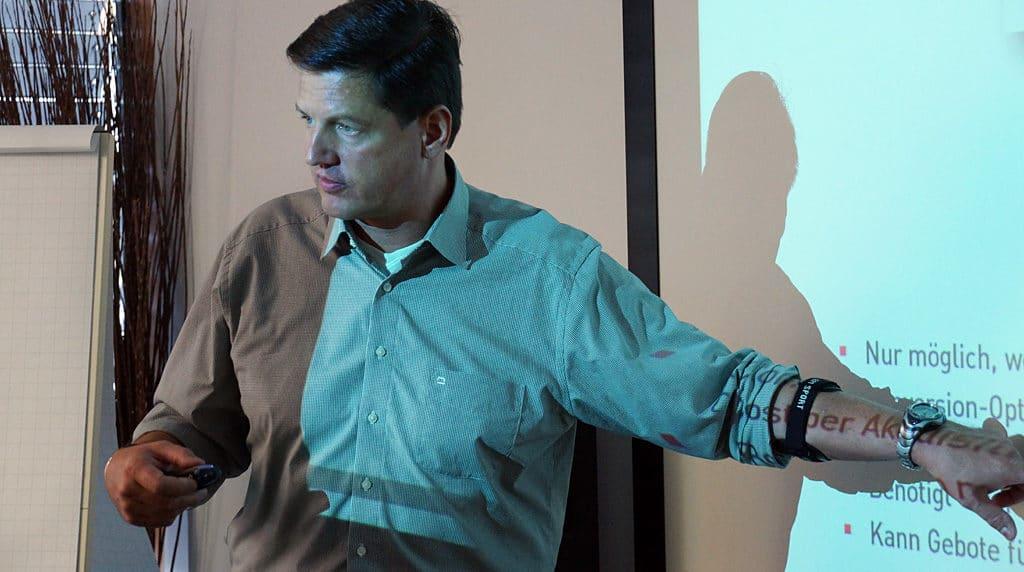 Nikolaus Herbert leitet die offiziellen Google AdWords Seminare