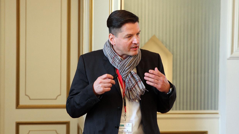 Online-Marketing-Spezialist Nikolaus Herbert ist auch als Speaker unterwegs