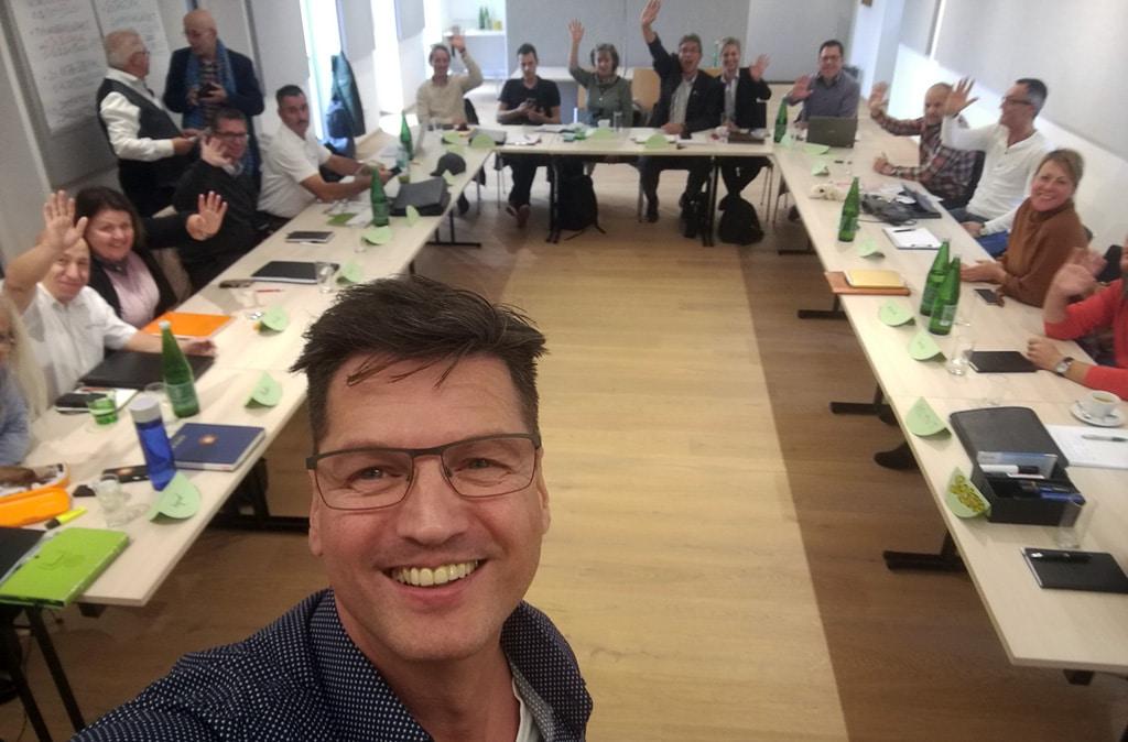 Sales-Trainer Nikolaus Herbert mit dem BEMER-Management in Österreich