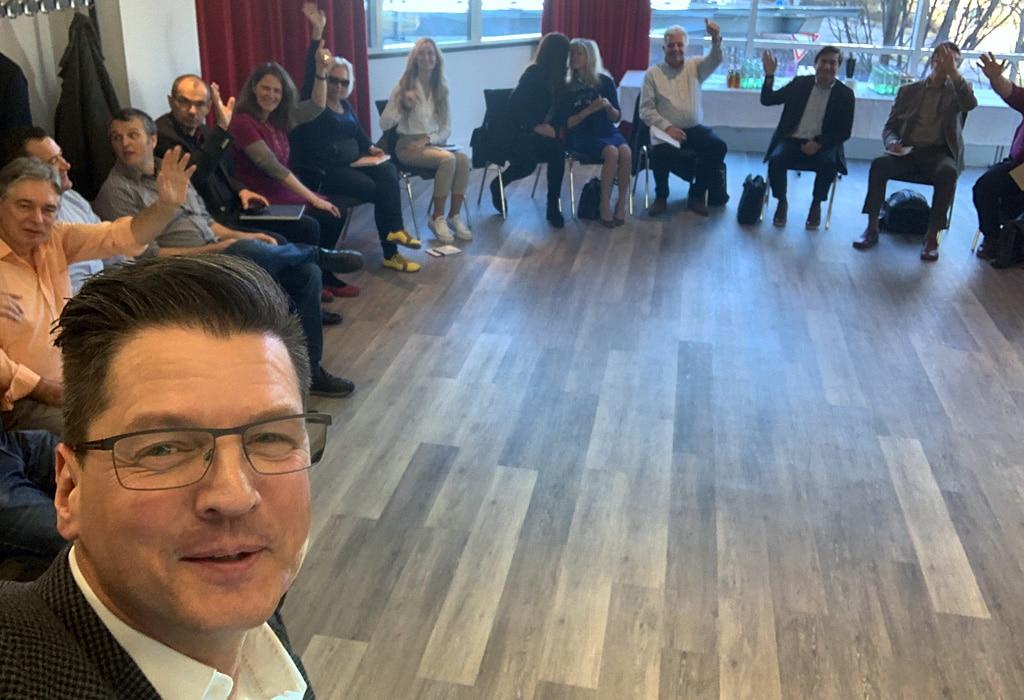 Eine der Teilnehmergruppen beim Sales-Training in Stuttgart